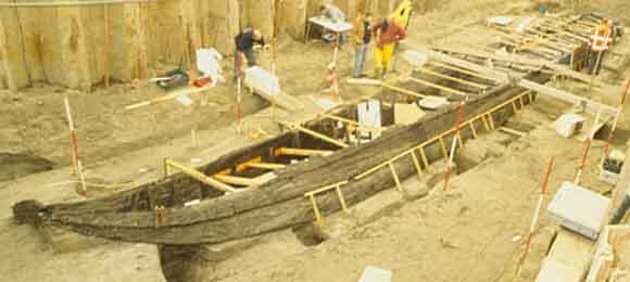 De opgraving van een Romeins schip in 2003