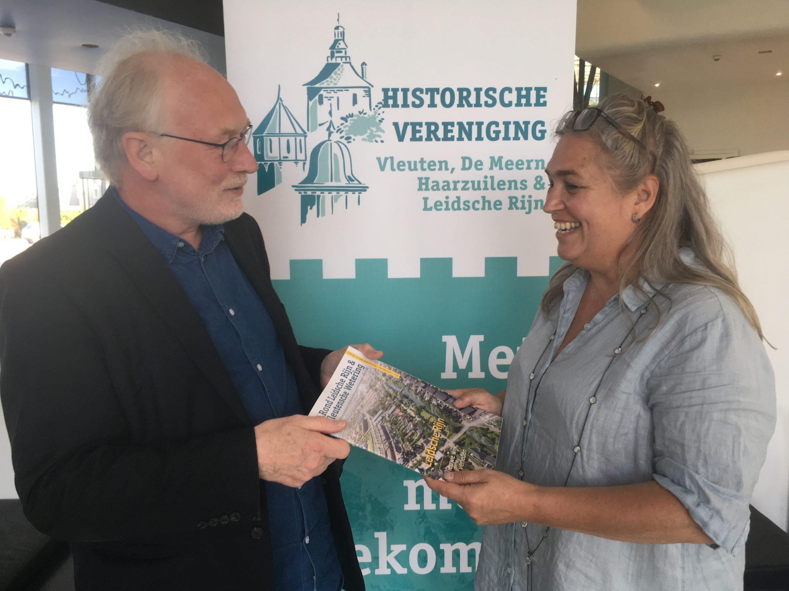 Paul Vreeken, programmamanager Leidsche Rijn en Evalien van 't Veen, hoofdredacteur van de special over 20 jaar Leidsche Rijn